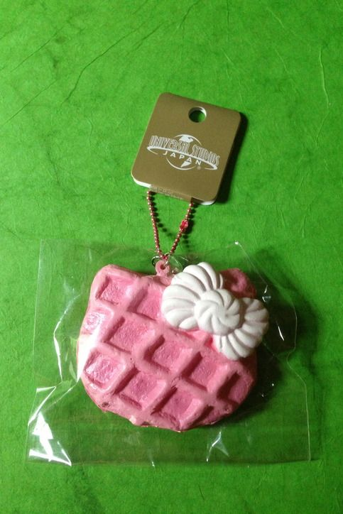 Rare Hello Kitty Waffle, with original packaging and tag.