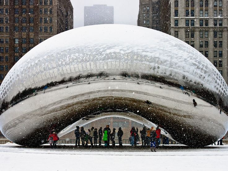 Ditch that guidebook for our much cooler guide to Chicago—we'll tell you what to really do, and what not to do, in the Windy City. (Spoiler alert: ditch Willis Tower, the Navy Piers, and er, ketchup).