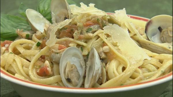 Linguini with Clam Sauce - This is a simple dish that uses very small ...