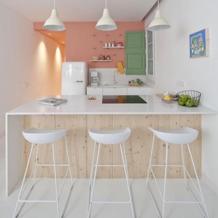 """Morning ☕️ Cores pasteis para uma cozinha charmosa e delicada...  #pastelcolors #kitchen #cozinha"""