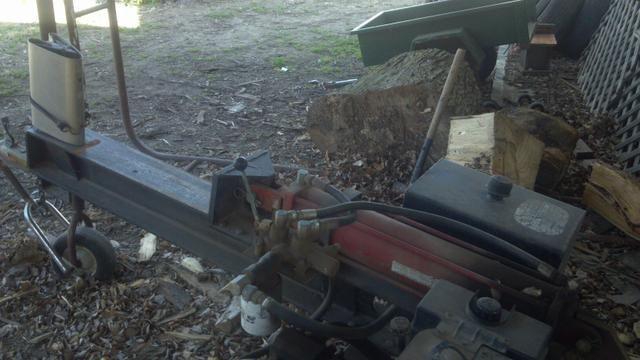 $900.00 - For Sale: log splitter