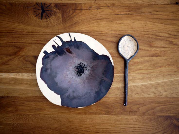 Ceramic plate 02, Monochrome series, Projectorium