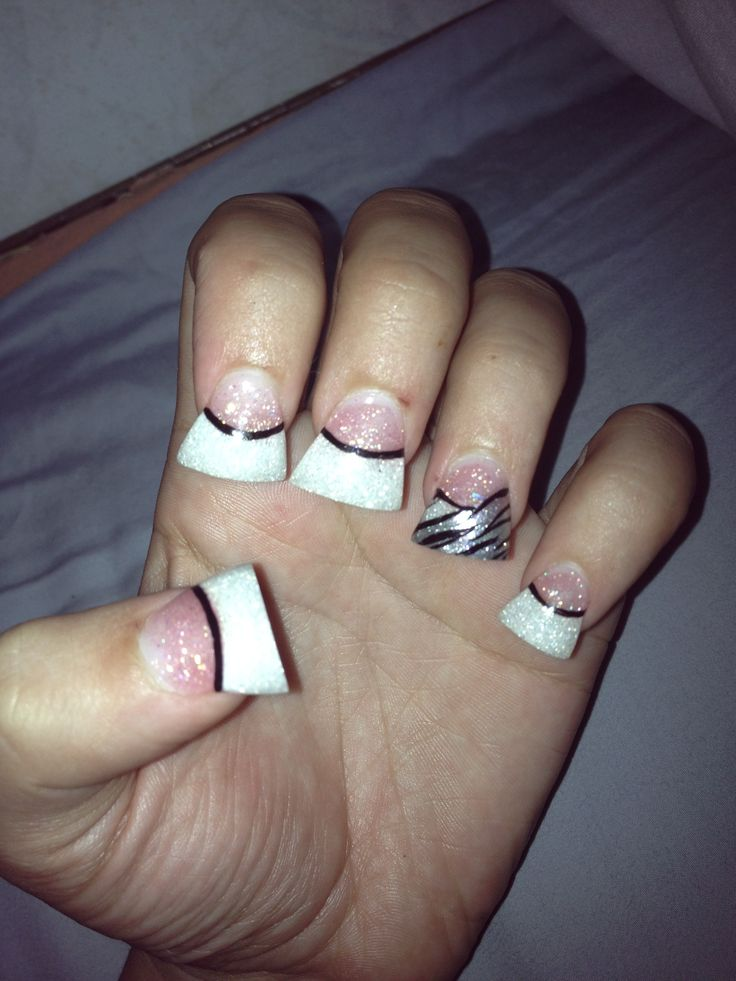 NAiLS *ACRYLiC FRENCH TiP