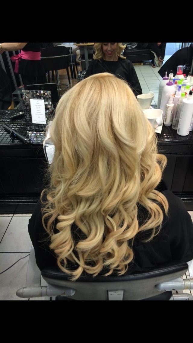 Ghd curve loose curls on beautiful blonde hair extensions
