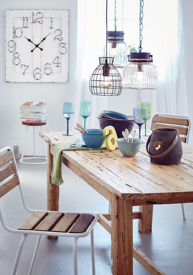 Formschön, praktisch, farbenfroh - diese fünf unterschiedlich großen, rustikalen Schüsseln bringen in tonig abgestufter Färbung das lässig-lebensfrohe Ambiente des Südens auf den Tisch.