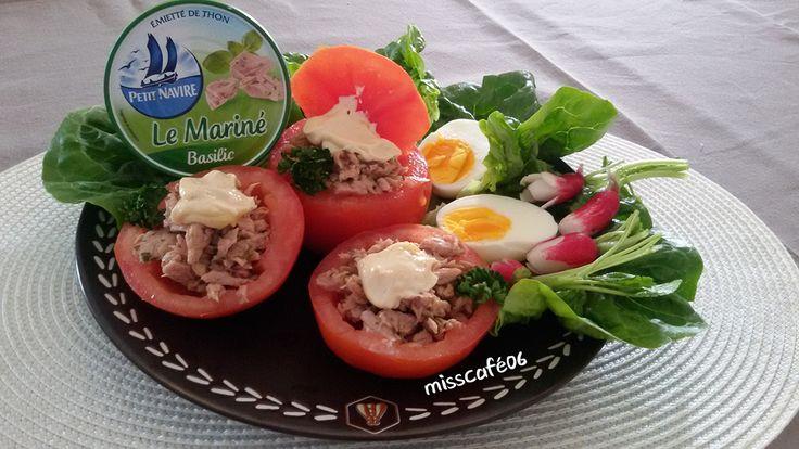 tomates farcies aux miettes de thon et une larme d'huile d'olive                                   Bon appétit