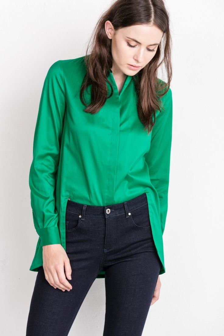 Styling with green shirt and navy blue jeans