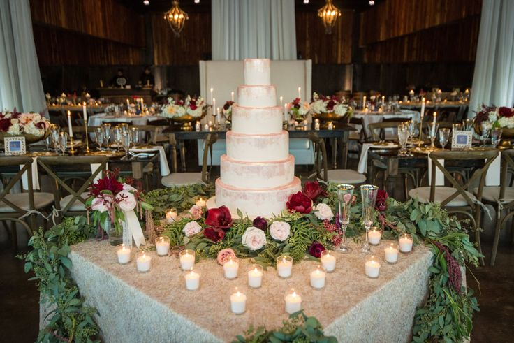 See how celebrity wedding planner @aproffitt transformed Southern Springs Events for this wedding in Kentucky. Photo by Matthew Andrews Photography