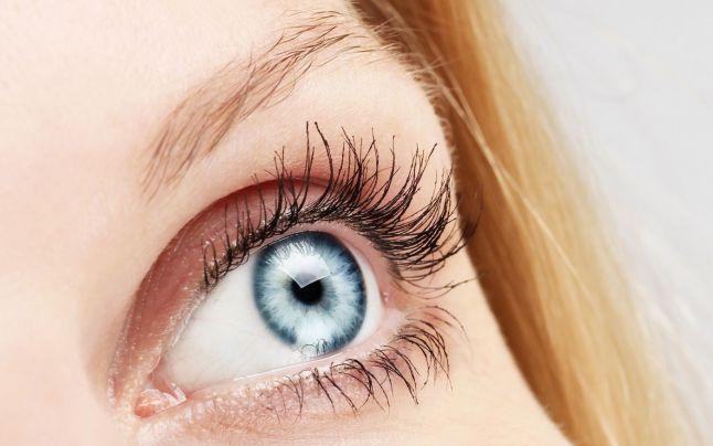 Cele mai bune tratamente naturale pentru ochi odihniţi şi pentru o piele a gâtului hidratată - secretele simple ale mamelor şi bunicilor noastre
