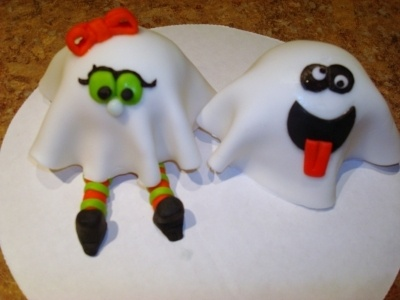 Cute cupcakes :)Treaters Cupcakes, Ghosts Cupcakes, Cupcakes 3, Cake Ideas, Halloween Cupcakes, Halloween Treats, Cupcakes Cak, Cupcakes A, Cake Toppers