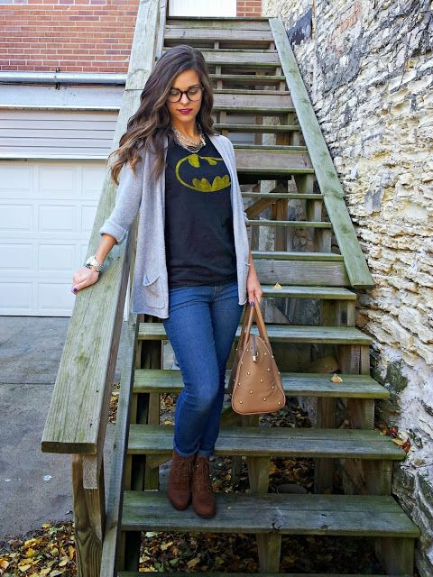 graphic tee, cardigan, skinnies and boots