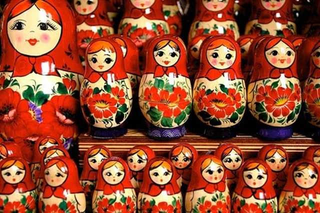 Russian dolls - I collect these - LOVE them!! Raeus