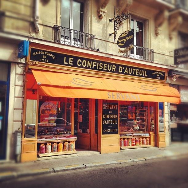 le confiseur d 39 auteuil paris parisjetaime devanture boutique pinterest boulanger. Black Bedroom Furniture Sets. Home Design Ideas