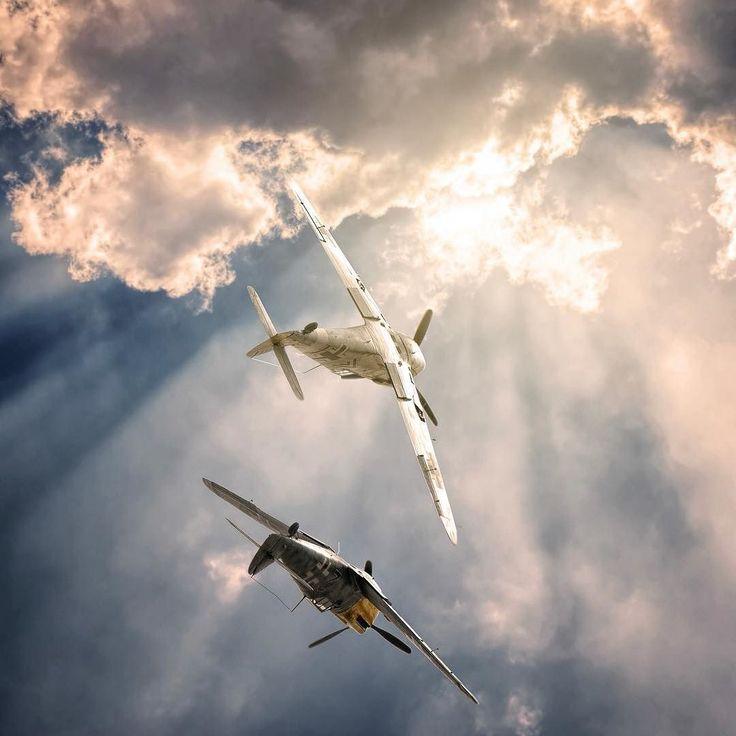 Bf 109 Buchons on a roll! #aviationphotos #aviationgeek #aircraft #instaaviation #instaplane #instaaviation #excellentaviation #warbirds #battleofbritain #aircraftspotter #buchon