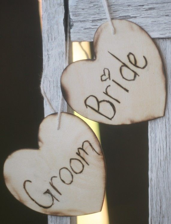 Rustic Wedding: Bride Grooms, Bride And Grooms Chairs Signs, Weddings, Cute Ideas, Chairs Decor, Rustic Chic Wedding, The Bride, Rustic Wedding Signs, Signs Rustic