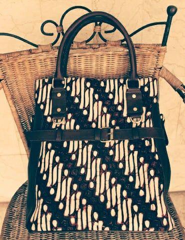 Batik bag ready stock please whatsapp 081310037425