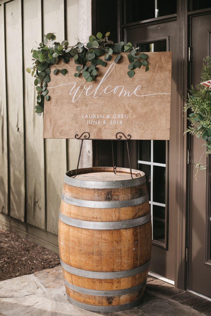 Lauren and Greg // Bluemont Vinyard // Virginia Winery Wedding Photos