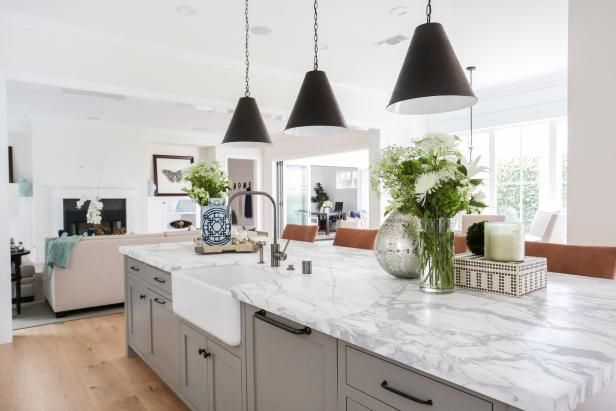 The savvy shoppers of HGTV.com share their must-buy picks from this white, sun-soaked transitional eat-in kitchen.