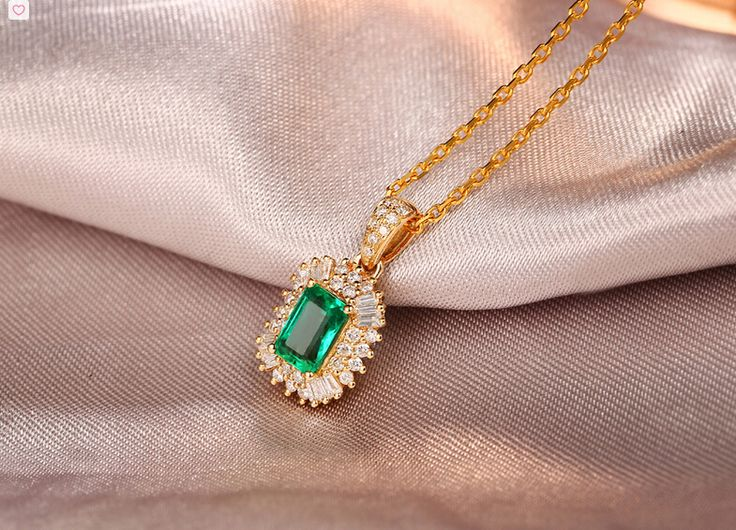 Gold plated natural emerald necklace