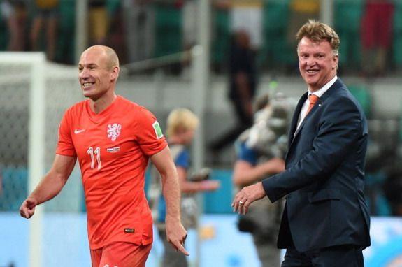 Arjen Robben turns down offer to join Louis van Gaal at Man United