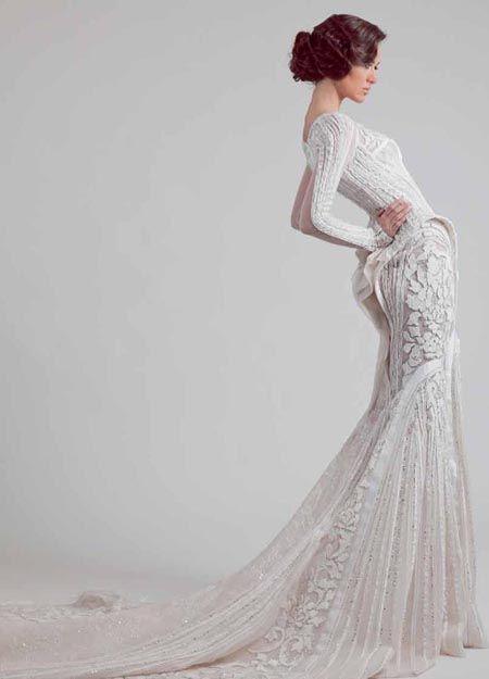 Elegant wedding gown, very classy!