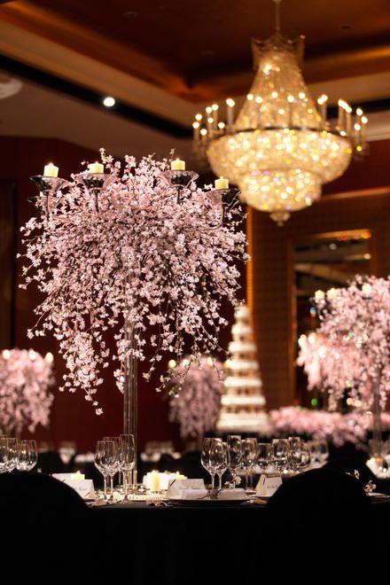 春の華やかな空間に *スタイリッシュでセンスのいい会場装花*