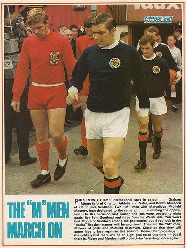 The 'M' men march on #BobbyMurdoch #Scotland #Shoot! 1970-02-14