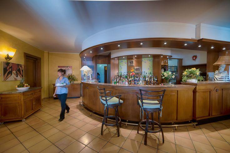 Ristorante Villasimius con vista mare. Bar Cruccuris Resort Sardegna