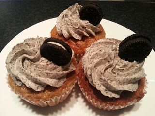 Amys eventyr: Oreo cupcakes med Oreo frosting