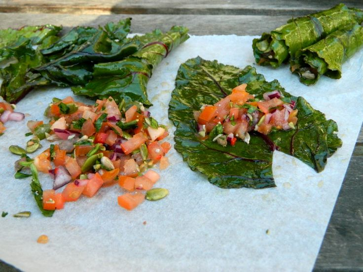 Selinas Ekologiska Meze. Preparing Raw Dolmas out of Beetroot Leaves.