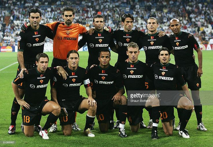 Roma line-up before the UEFA Champions League Group B match between Real Madrid and Roma at the Santiago Bernabeu Stadium on September 28, 2004 in Madrid, Spain.