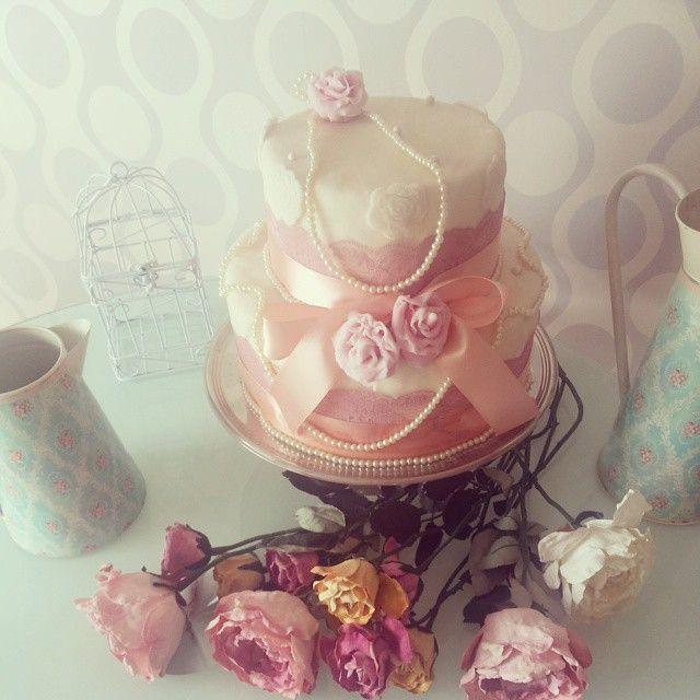 #romantico #provenzal #rosas #perlas #vintage #cake #torta #dulceria