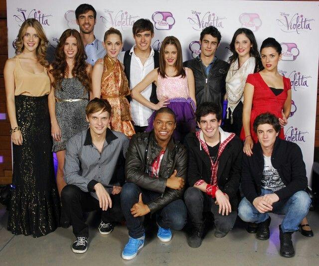El elenco de Violetta ♥