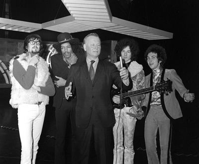 Godfrey Winn December 1967, with Jimi Hendrix, Jonathan King, Noel Redding and Mitch Mitchell, rehea