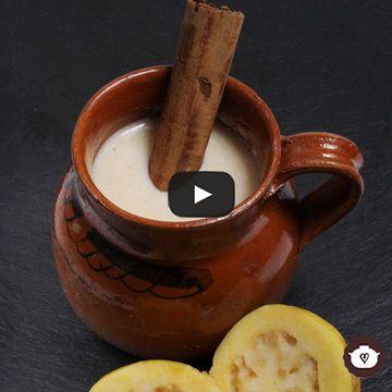 Los atoles se pueden consumir todo el año y están presentes siempre en las fechas importantes en México. Acompañan bien a los buñuelos, galletas de Navi...