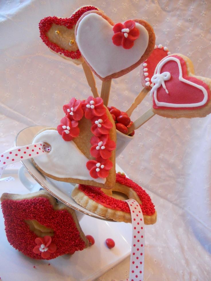 """""""Love"""" cookies."""