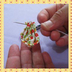 Aprenda como fazer flor de fuxico passo a passo