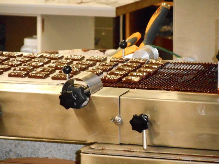 Visite d'une chocolaterie avec un groupe d'étudiants du CIDEF