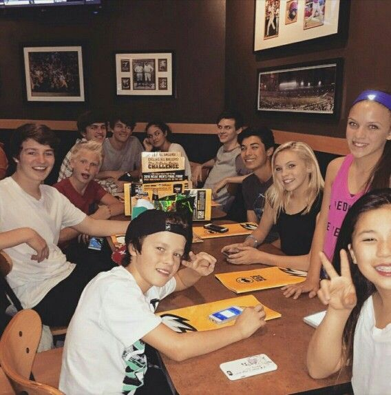 celebrating @dylansummerall 's bday rn @ Buffalo Wild Wings  w/ @lilywallacedancer @thenicwallace @kennadi_boese__ @canonkuipers @huntersummerall @carsonlueders @haydensummerall & @dj.oz ☺️
