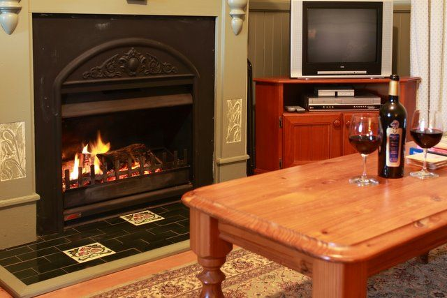 Holiday accommodation in Pokolbin, offering #selfcontained #accommodation close to #wineries restaurants and attractions. #HunterValley #pokolbin #HunterValleyHolidays www.OzeHols.com.au/38