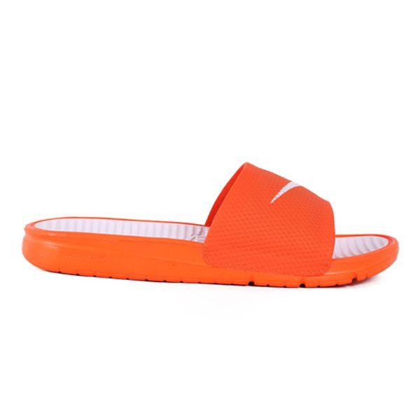 Sandal Nike Benassi Solarsoft Soccer 576427-810 merupakan sendal yang telah sengaja didesain simple. Andapun menjadi semakin terlihat semakin bergaya apabila sedang menggunakannya. Sendal ini diskon 10% dari harga 329.000 menjadi Rp 299.000.