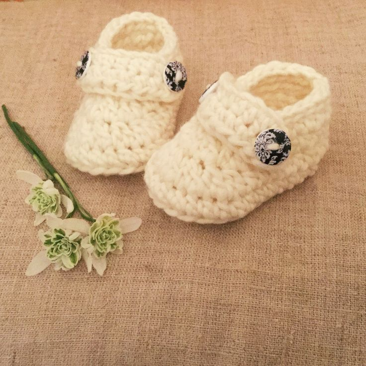 DIY EASY CROCHET Made these beautiful and easy baby crochet booties by watching this video: https://m.youtube.com/watch?v=Z30Y01hBvBs