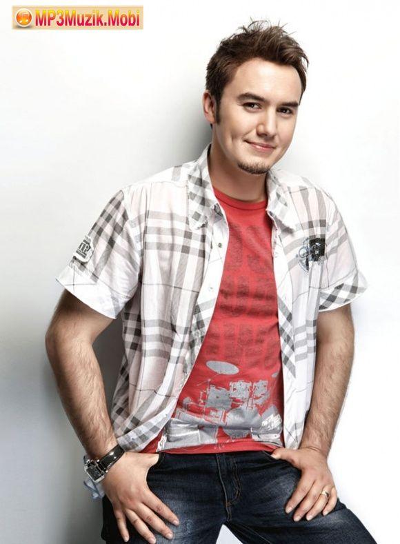 """Mustafa Ceceli - """"Aşkım Benim"""" mp3 müziğin http://mp3muzik.mobi/  mp3 müzik arama sitesi ile online dinle ve ücretsiz indir."""