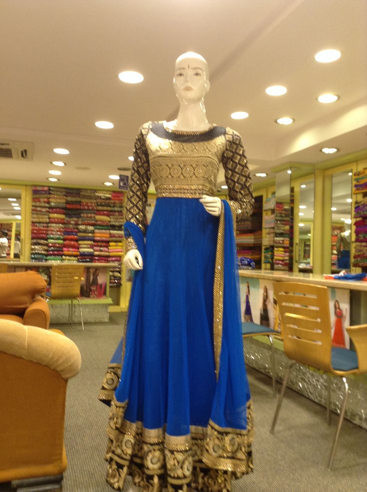 Eliperi: blue net resham kundan work