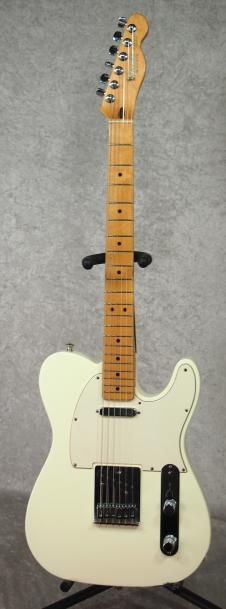 2001 Fender Telecaster Tele MIM Made in Mexico white electric guitar