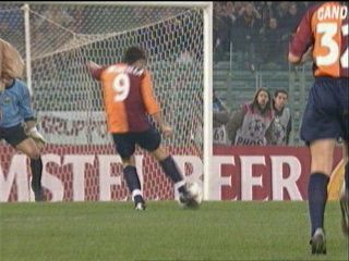 AS Roma 3 Barcelona 0 in Feb 2002 at Stadio Olimpico. Vincenzo Montella makes it 2-0 after 29 minutes in the Champions League group stage game.