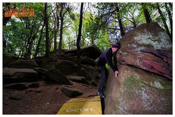 Kalmit - Aufwärmboulder @ast6000 .... #Pfalz #kalmit #aufwärmen .... #bouldern #klettern #bouldering #climbing #timetoclimb #bouldering_pictures_of_instagram #climbing_pictures_of_instagram  #climbing_is_my_passion #climb #escalada #photooftheday #nature #fun #nofilter #outdoor #climbingisfun #great #love  #mainbloc
