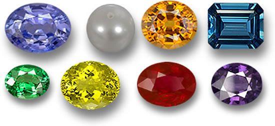 batu cincin selalu identik dengan perhiasan kaum pria, padahal batu cincin juga bisa dikenakan oleh wanita dengan desain yang anggun dan cantik