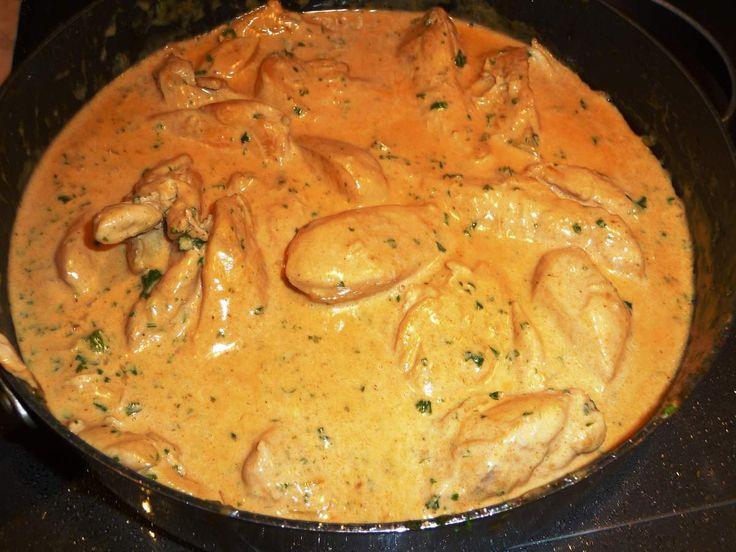 Filets de poulet flambés au cognac, sauce crème et échalotes - Les recettes de Virginie