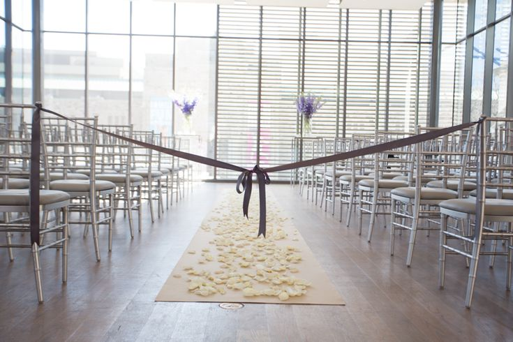 light and airy beautiful ceremony setting at the Gardiner Museum